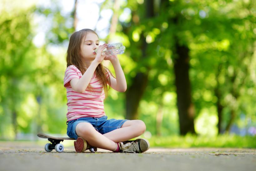 Перегрев опасен: как летом защитить ребенка от неприятностей?