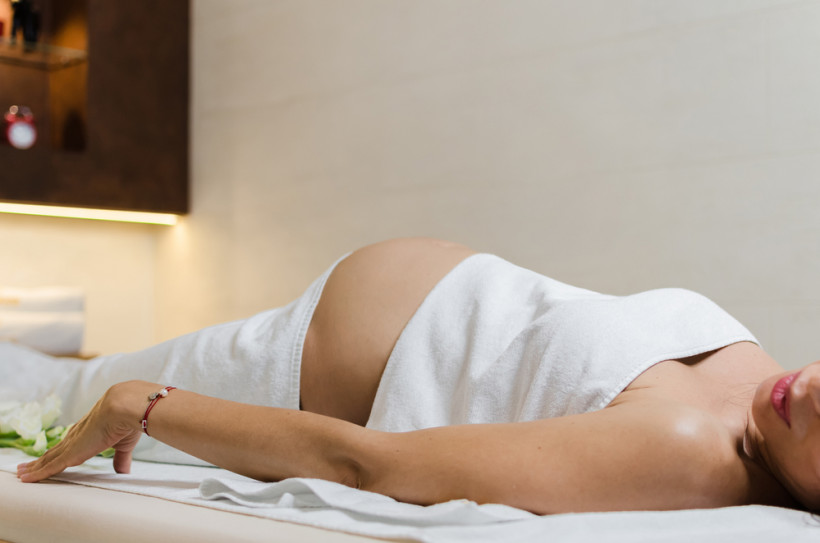 беременная в салоне красоты