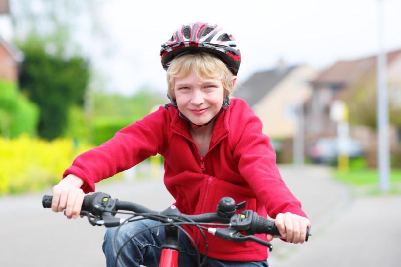надо ли покупать детям шлем