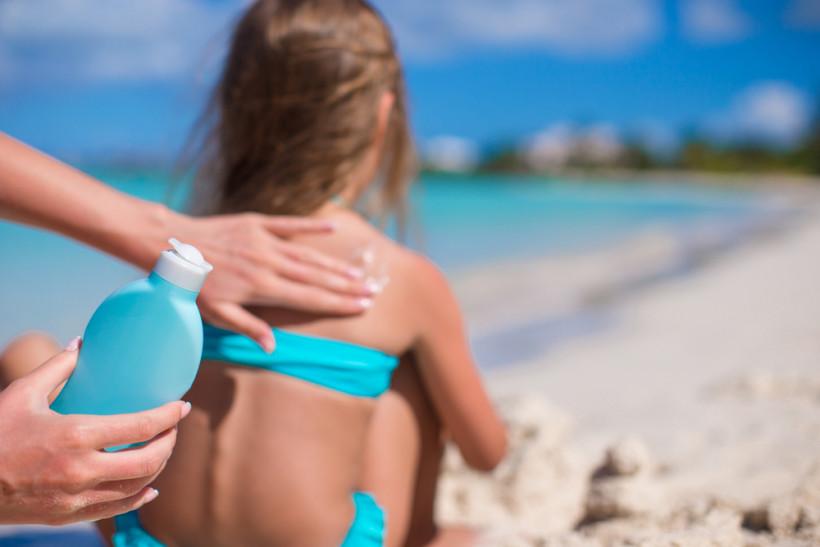 Загорать не нужно: Ульяна Супрун про вред ультрафиолета и правила поведения на солнце