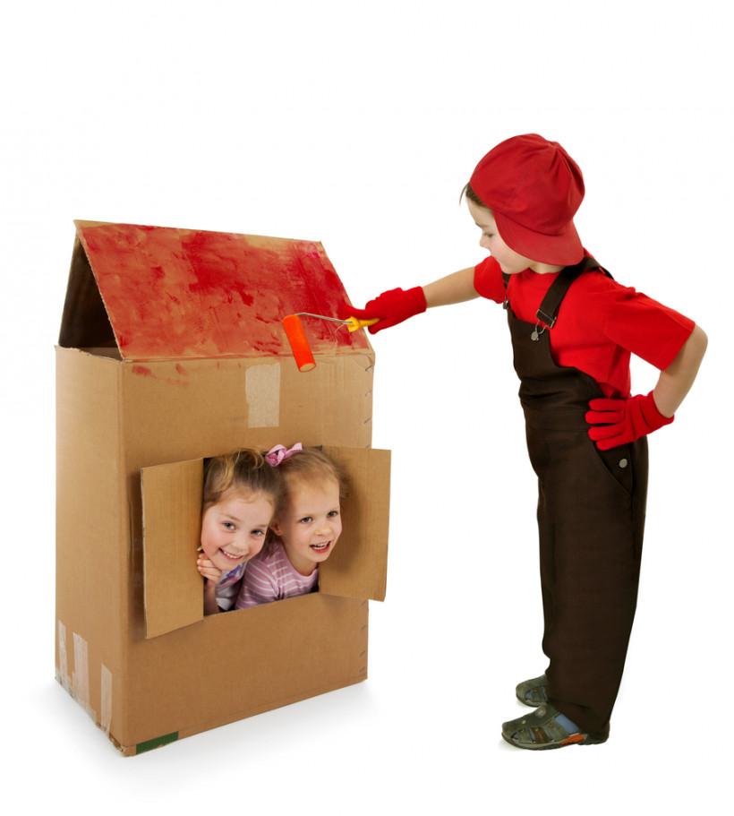 діти картонний будинок