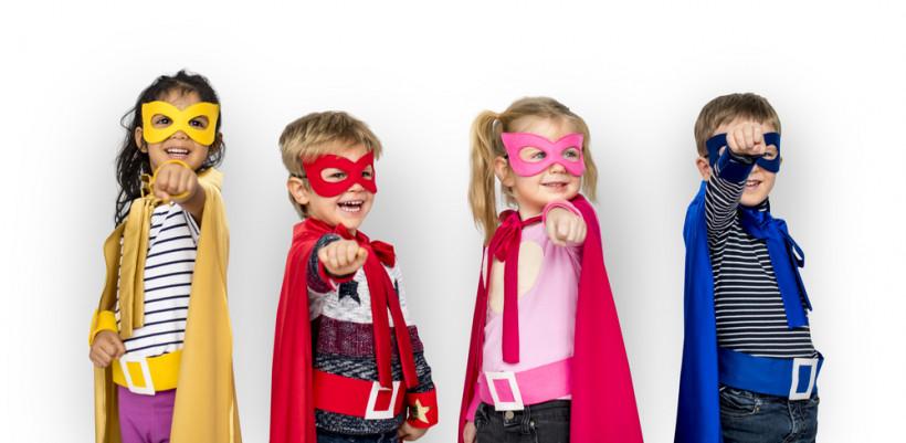 діти у костюмах