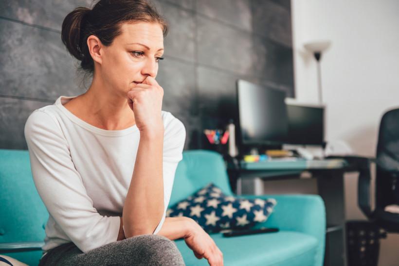 жінка стрес