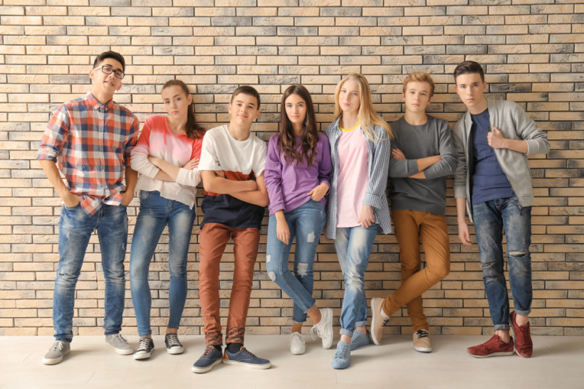 Подростки компания