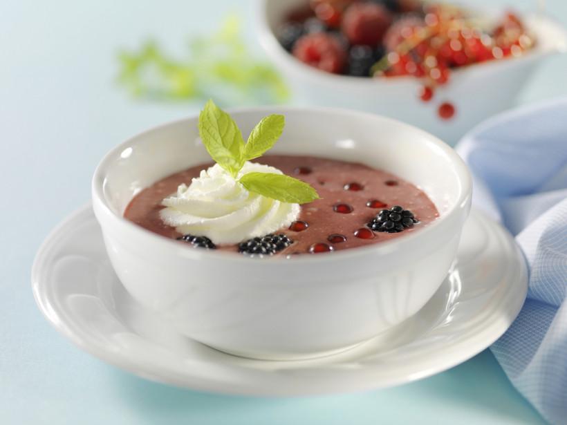 Вместо каши и бутерброда: ТОП-5 десертных супов на завтрак