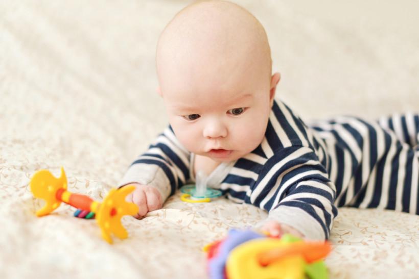 Как развивать ребенка от 0-4 месяцев
