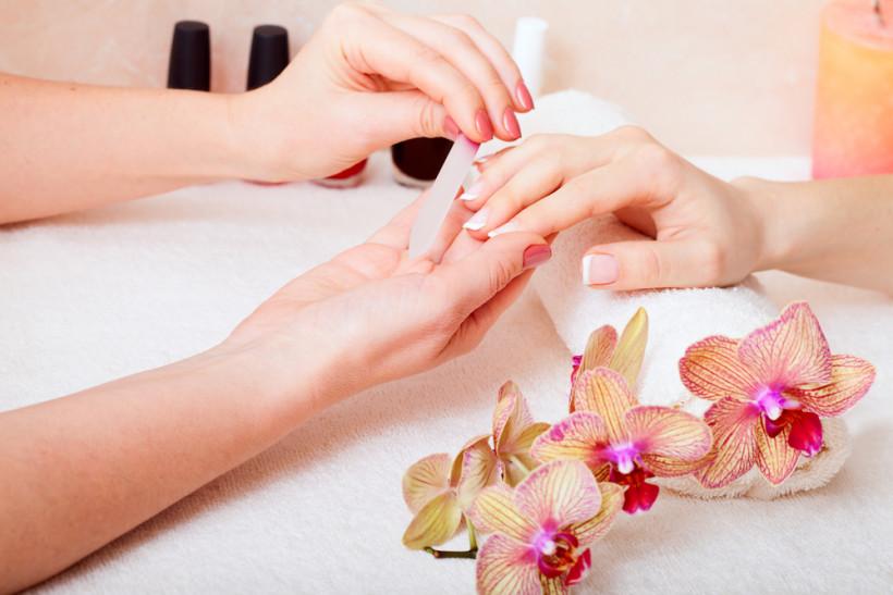 причины ломкости ногтей