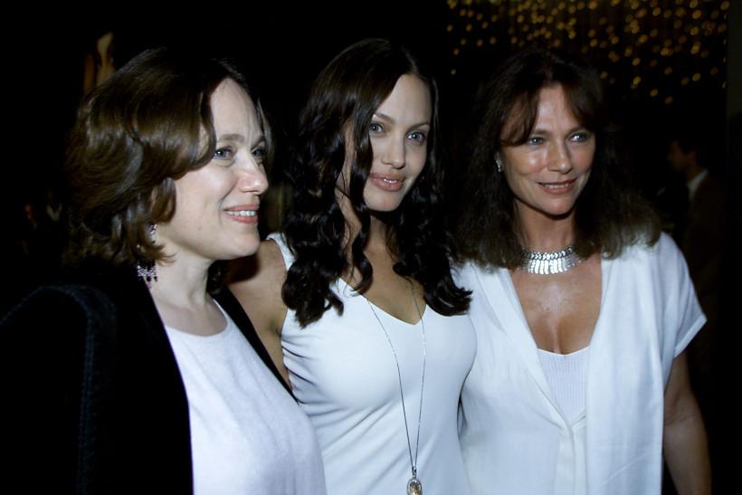 Анджелина Джоли с мамой