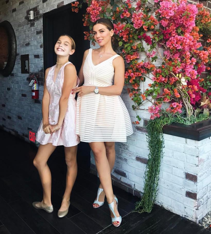 Седокова с дочкой