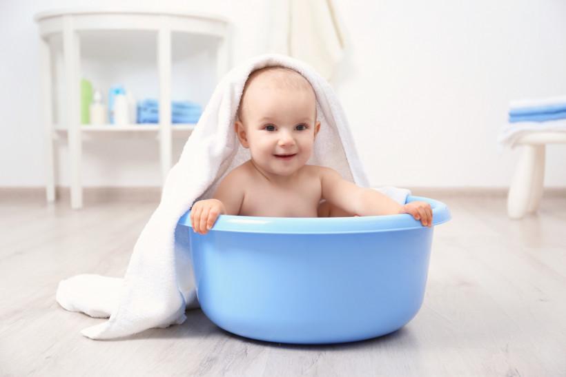 Попадання води в вушка малюка