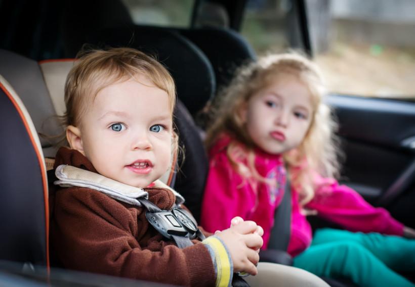 Малыши в машине - игры в путешествии