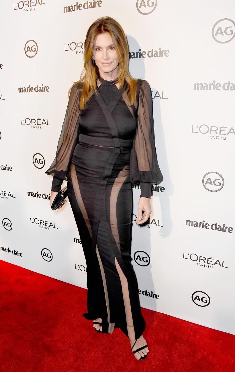 Синди Кроуфорд в черном платье