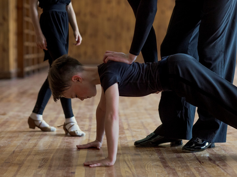 Маленькие взрослые Илья - танцор