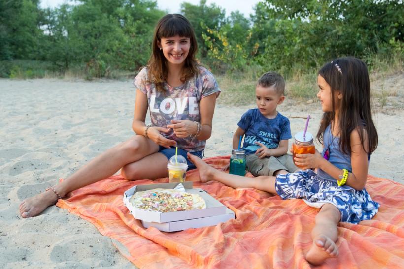Марина Довбыш с детьми