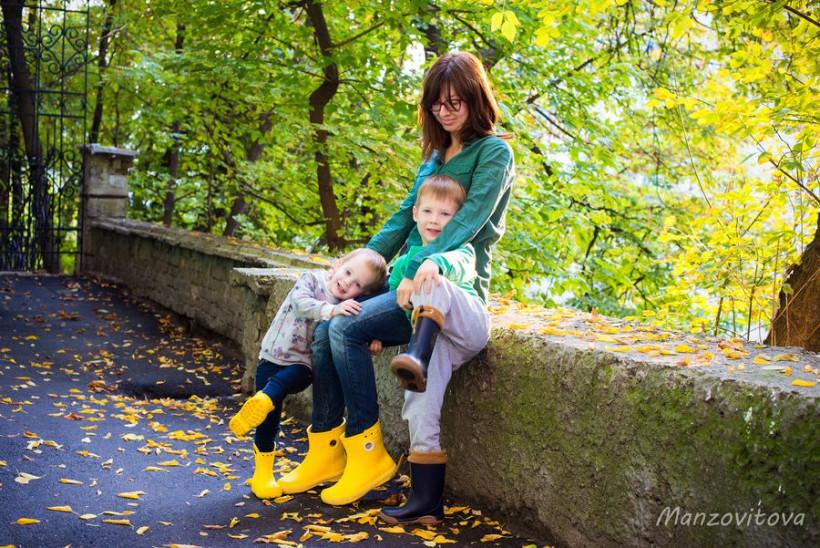 Аня з дітками