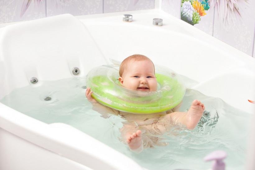 Круги на шею для купания новорожденных