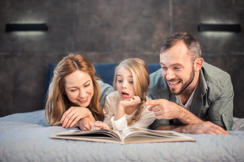 Як текстова інформація впливає на людей - діти і батьки читають