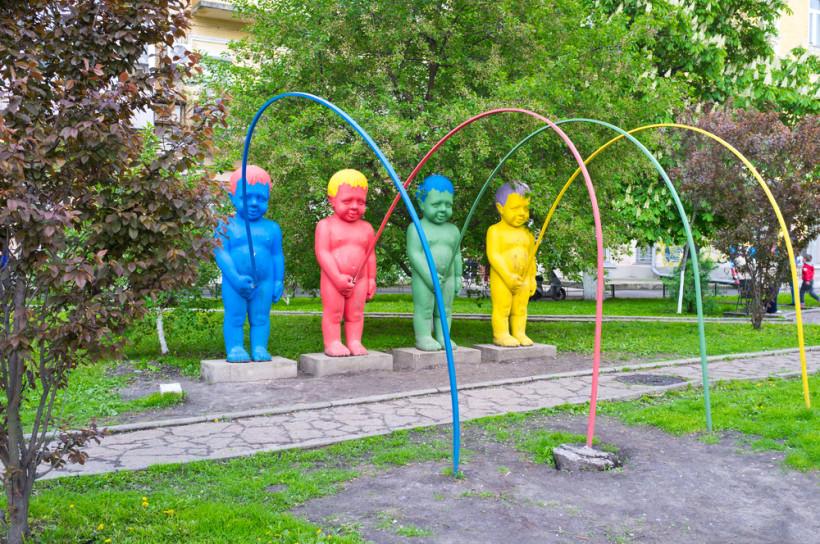 Писающие мальчики в Киеве