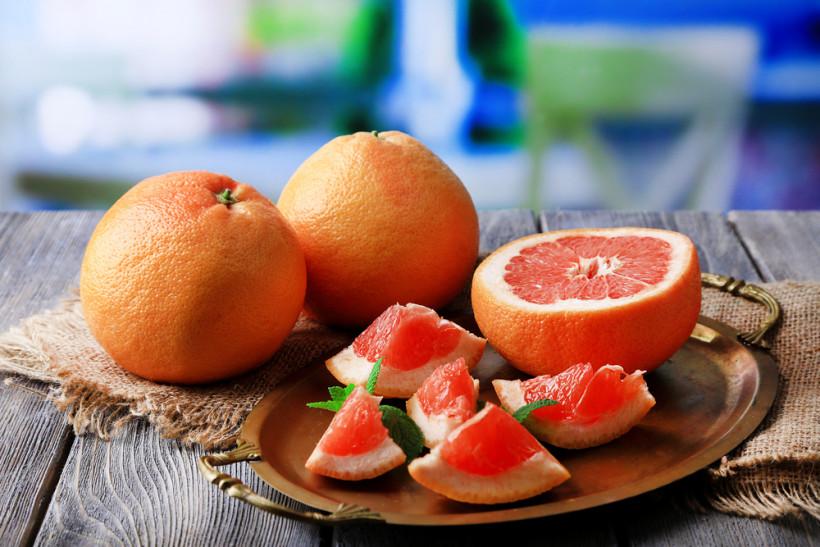 Лимоны, апельсины и грейпфруты