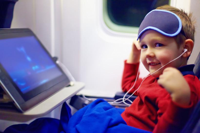 малюк у літаку