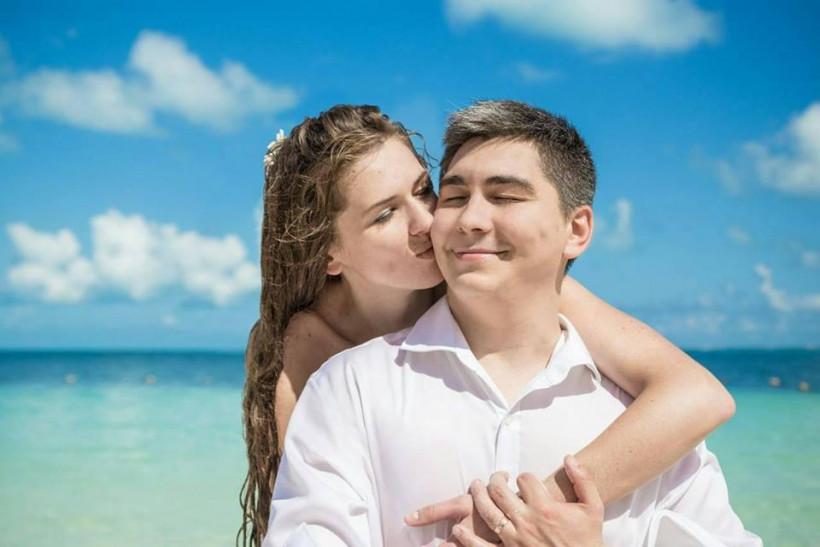 Молодая пара и НЙ