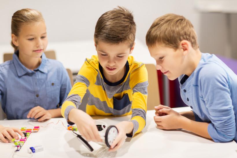 Роботехника - дети занимаются