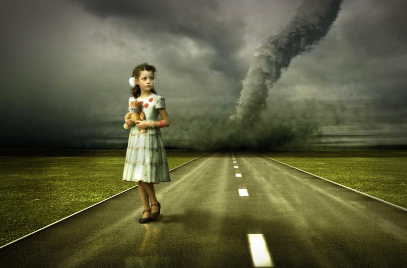 Девочка в страхе