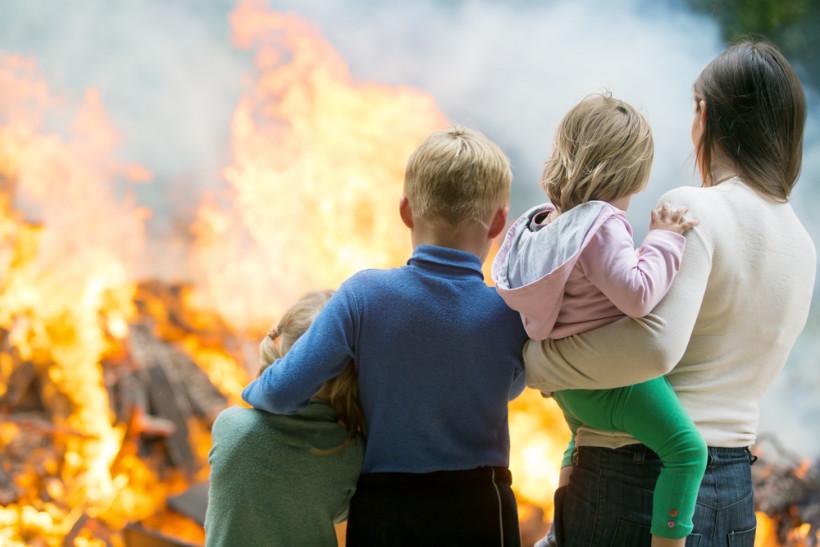 семья пожар