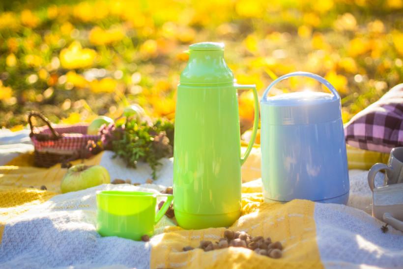 Термосы и горячие напитки осенью