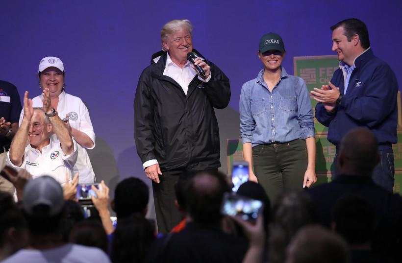 мелания трамп в джинсах