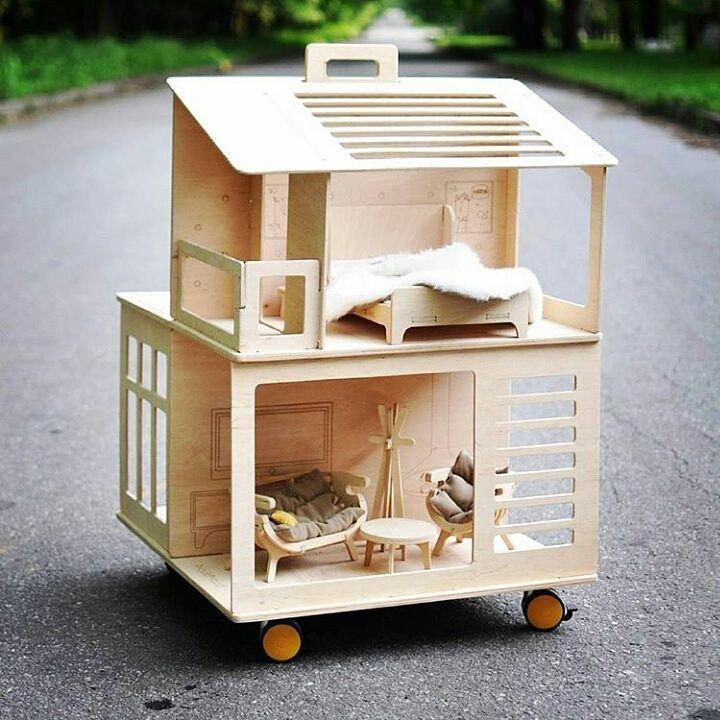 Ляльковий будиночок від iWouldWood