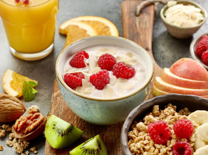 завтрак йогурт