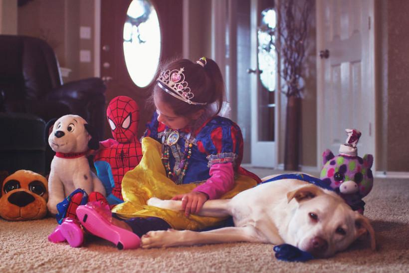 собака с девочкой