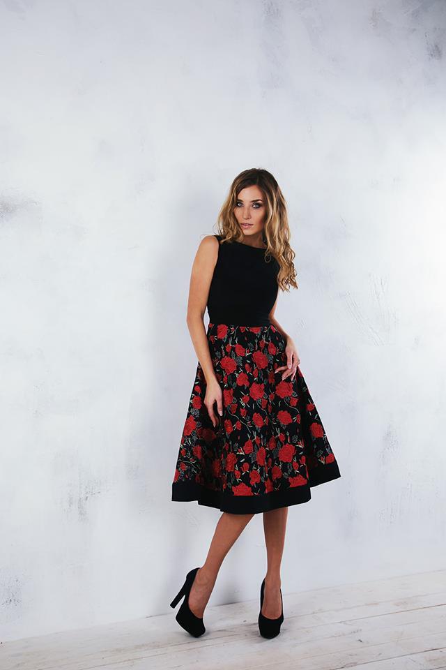 красно-черное платье