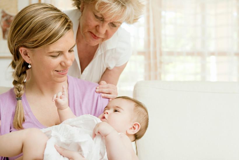 мама, бабуся і малюк