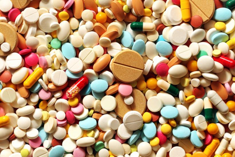Много таблеток - лечение ОРВИ