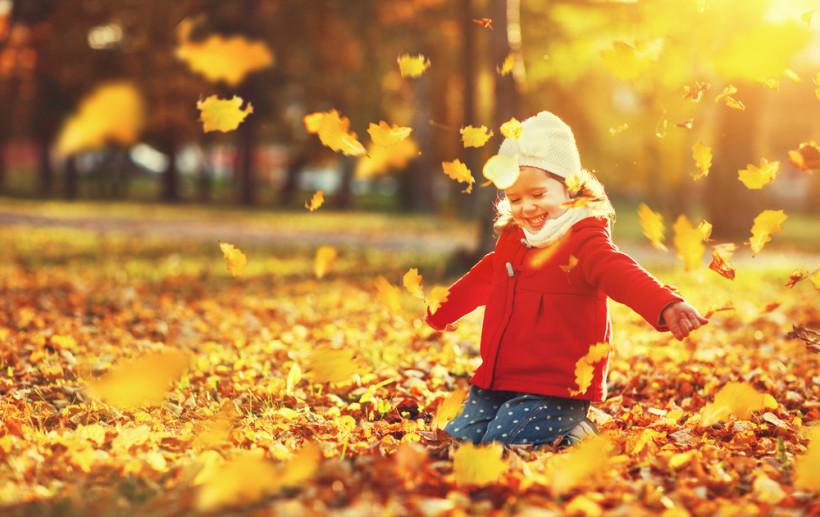 дівчинка осінь