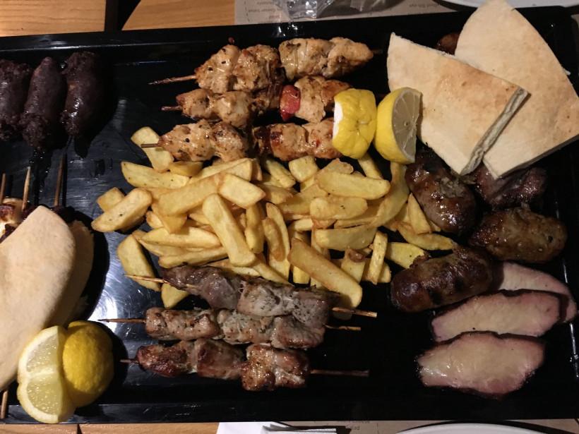 Блюдо на Кипре