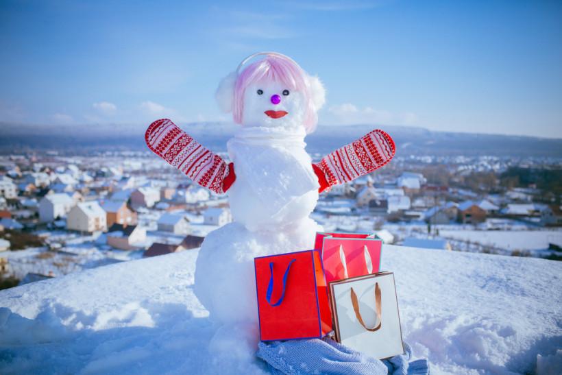 Снеговик-девочка