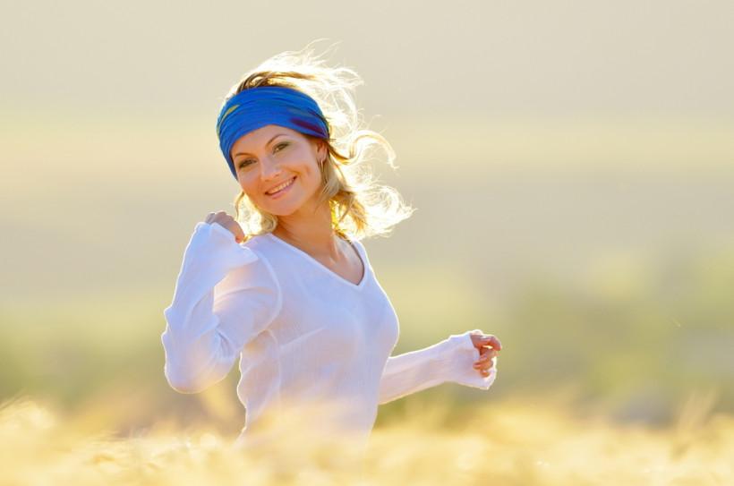 жінка біг