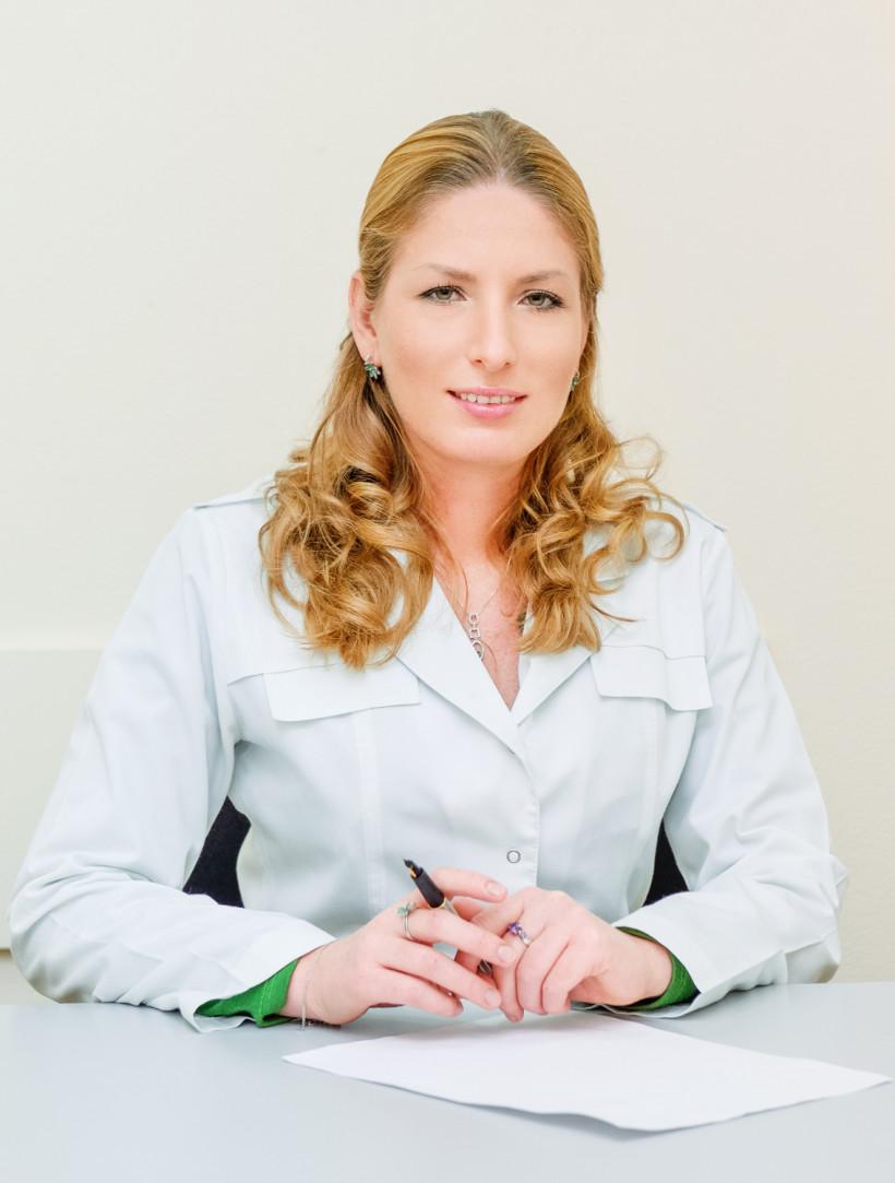 Щербакова Ирина Сергеевна, врач психиатр-сексопатолог, психотерапевт, член ассоциации сексологов и сексотерапевтов Украины.