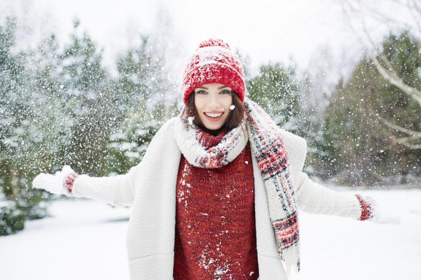 жінка зима