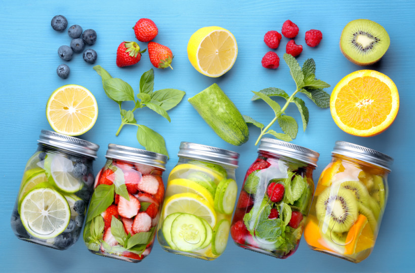 вода с фруктами