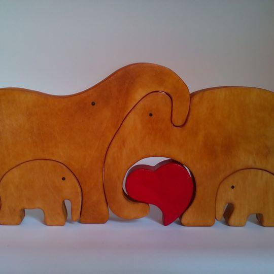 Пазл - семья слонов