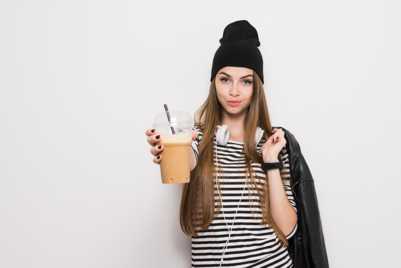 жінка кава