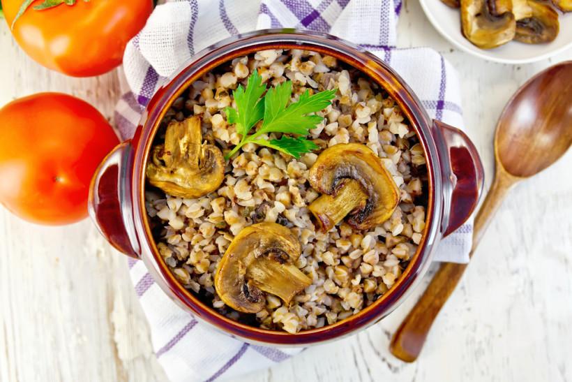 Гречана каша із грибами в духовці