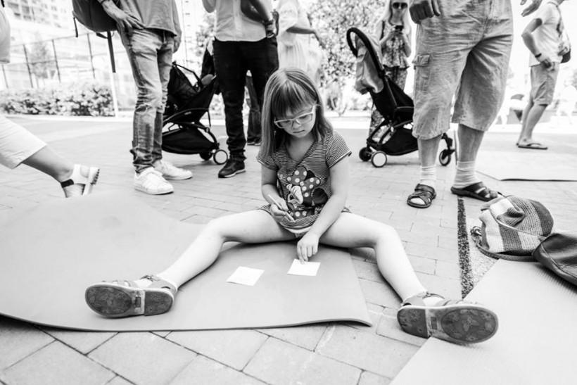 Девочка с синдромом Дауна - фонд Бачити серцем