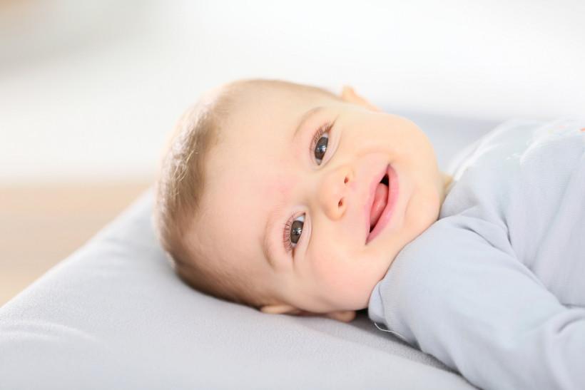 посмішка малюк