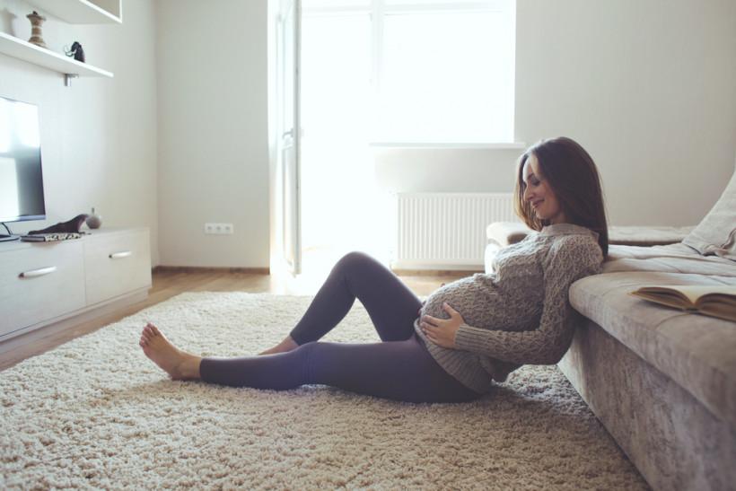красивая беременная