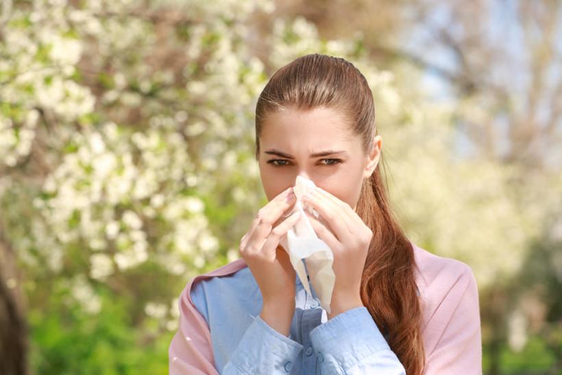 женщина аллергия